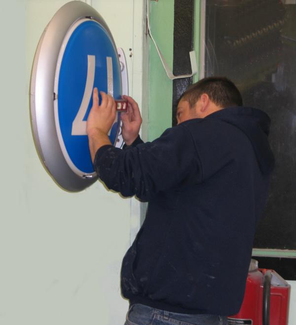 LAX-sign-installation2.jpg